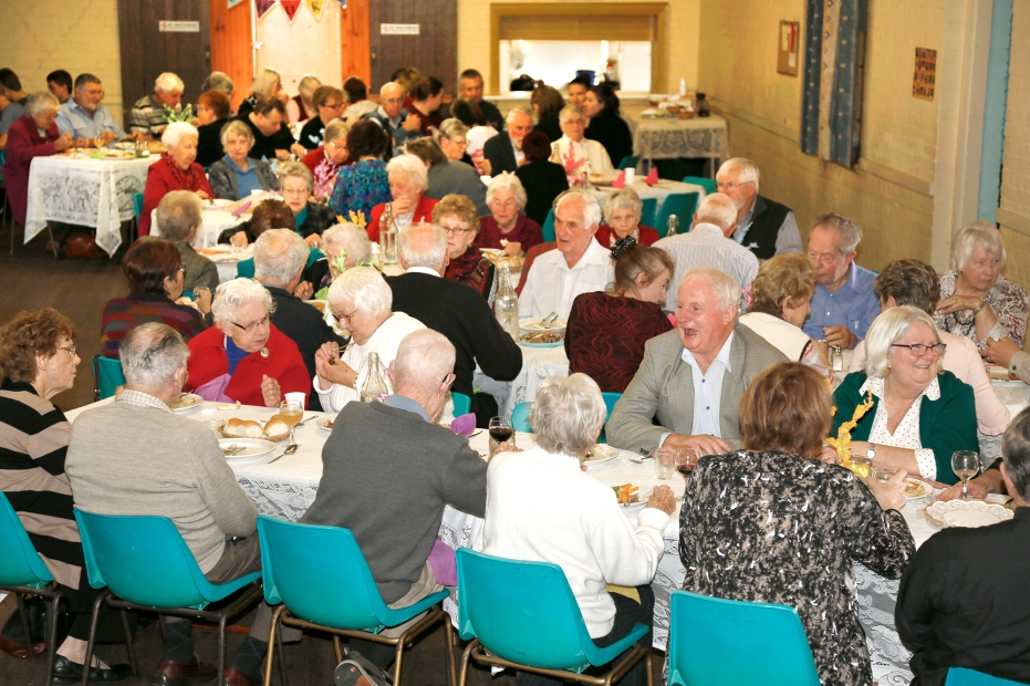 2017-05 Mission Lunch with Fr John Deane 8