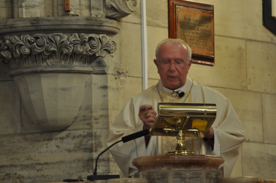 2012-11 Commissioning of Fr David 268