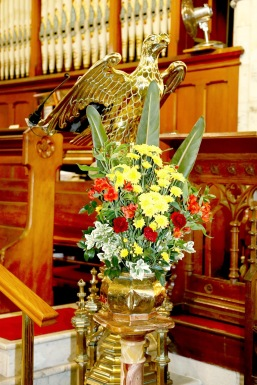 Flowers in Church 31