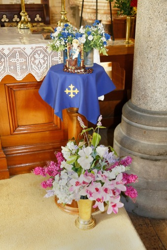 Flowers in Church 34